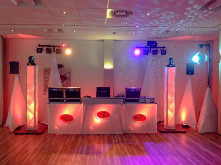 DJ-Pult und Tanzfläche - Feiern im Parkhotel Ahrbergen